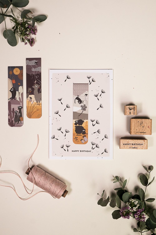 gestempelte Grußkarte mit kleinem Geschenk - magnetisches Lesezeichen