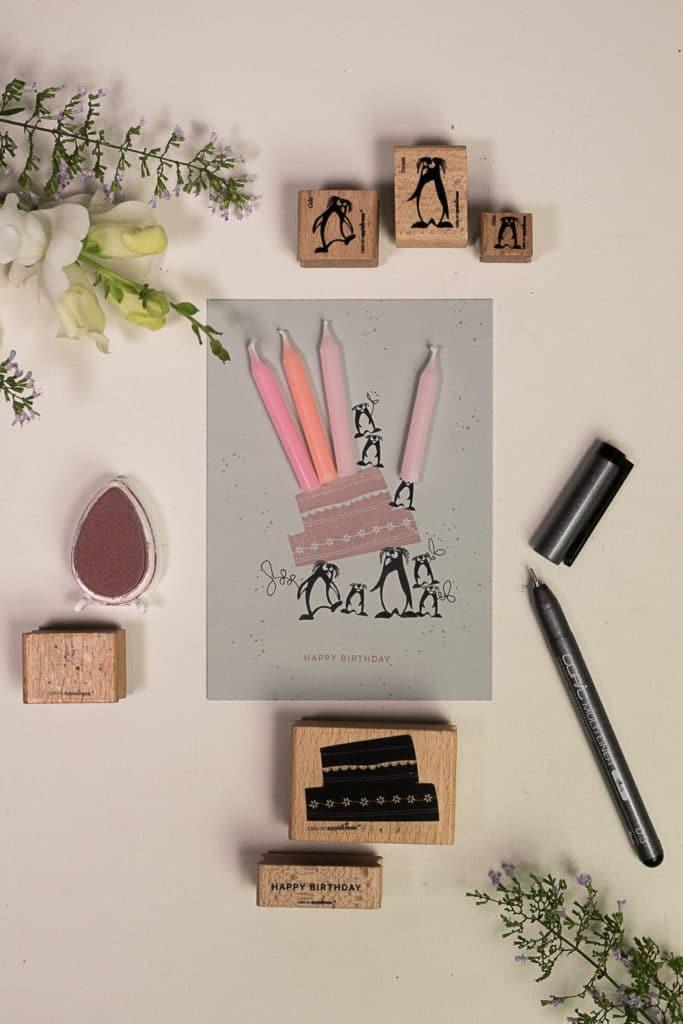 Idee für eine selbst gestempelte Geburtstagskarte mit echten Kerzen