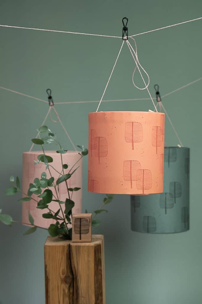 selbst gebastelte und bestempelte Lampions aus Papier